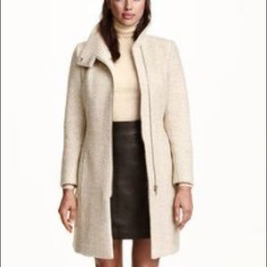 H&M bouncle beige peacoat small